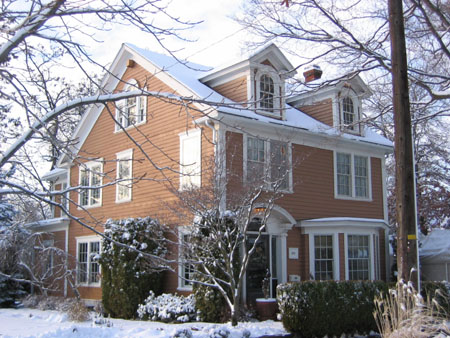 house_in_snow.jpg